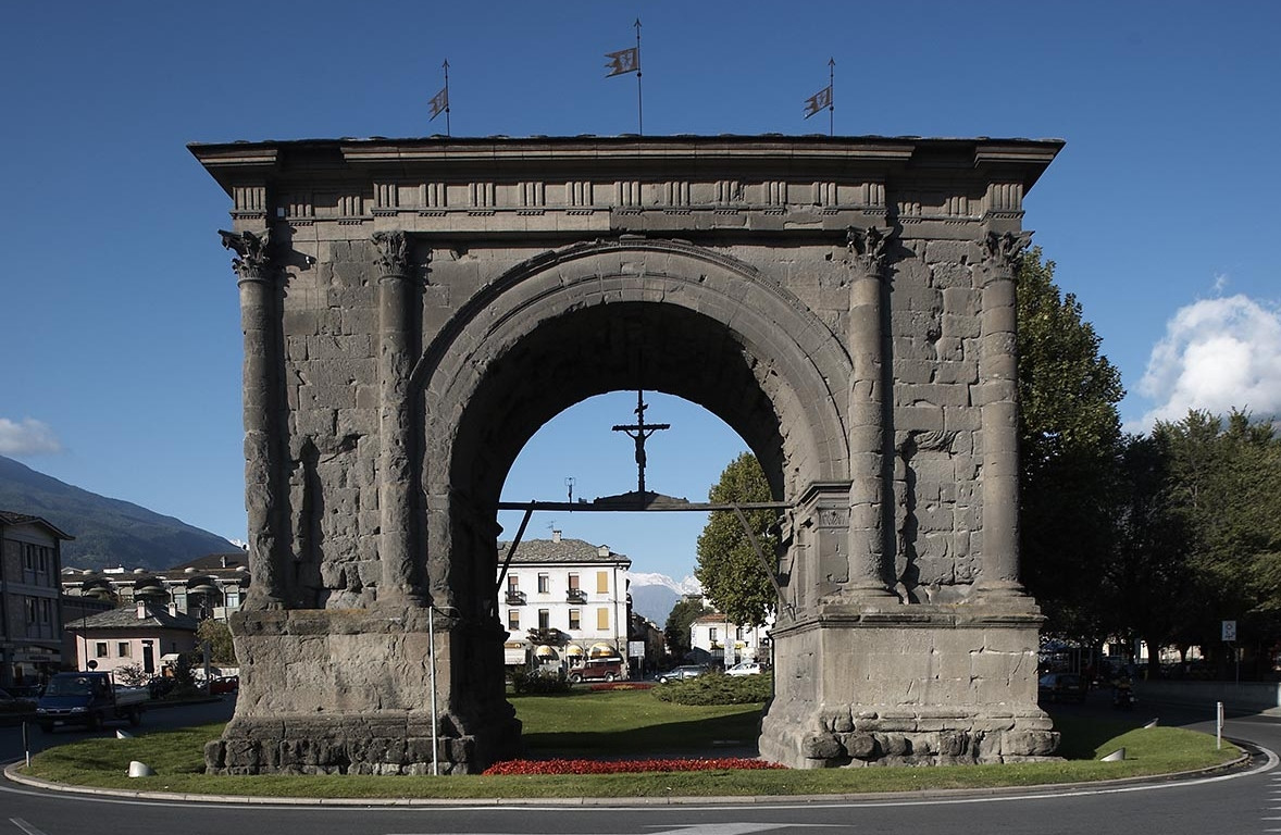 Aosta, arco di augusto